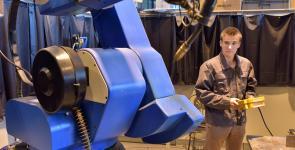 eleves ingenieur mecanique CTT robot soudage (4).JPG