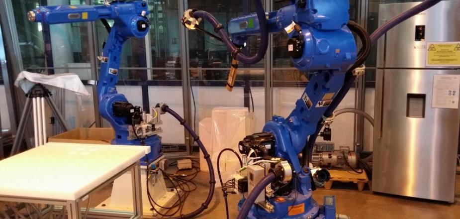 robots_blue.jpg