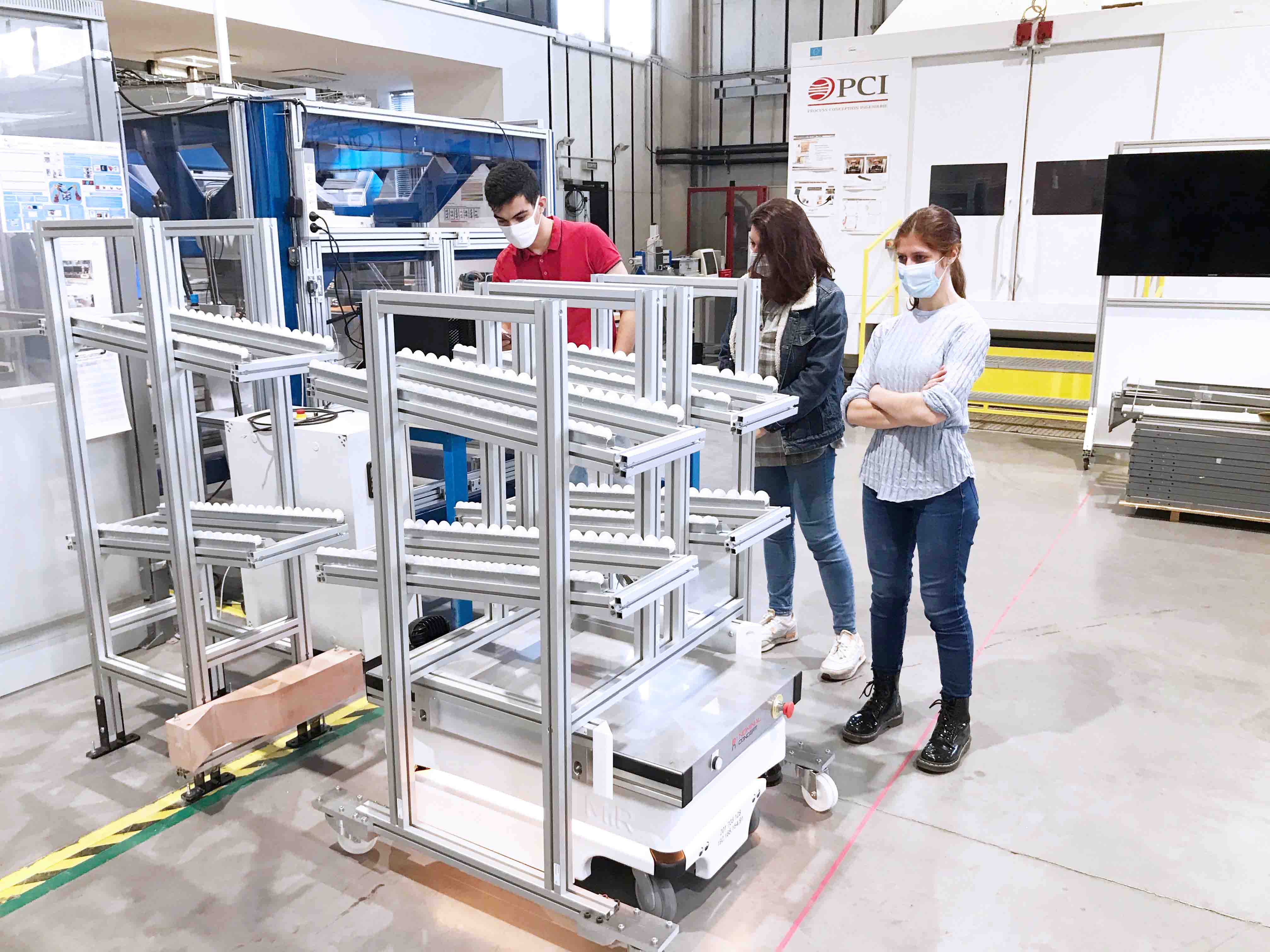 RobotsMobiles-min.jpg